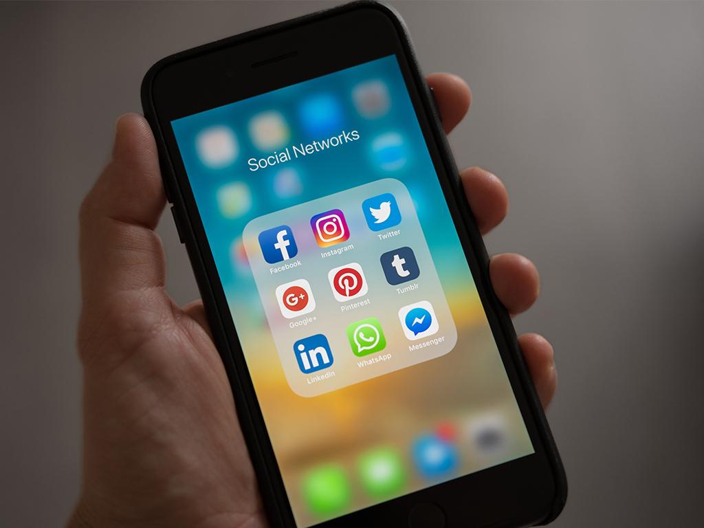 réseaux sociaux communication immobiliere